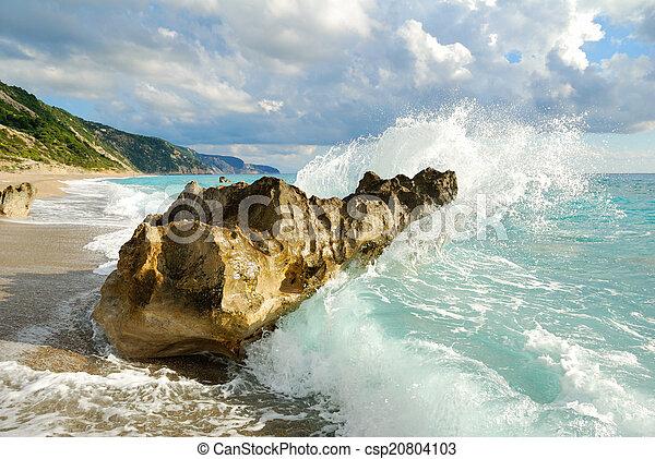 groot, brekende golf, hoog, verpulveren, zee, rotsen, strand - csp20804103
