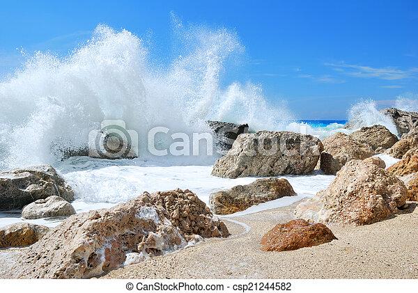 groot, het bespaten, golf, hoog, oever, zee, rotsen, op, spra - csp21244582