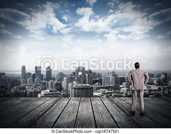 het kijken, zakenman, overzicht., stedelijke  - csp16747551