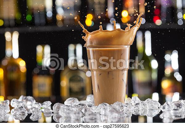 koffie drinken, ijs, gespetter, bonen, koude - csp27595623