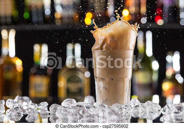 koffie drinken, ijs, gespetter, bonen, koude - csp27595602