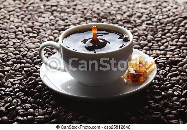 koffie, gespetter, kop - csp25812846