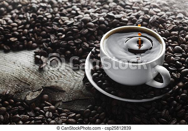 koffie, gespetter, kop - csp25812839