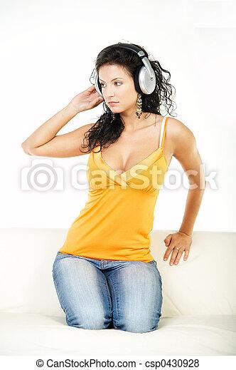 muziek, luisteren - csp0430928