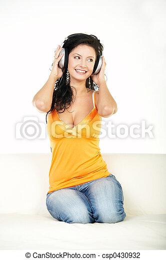 muziek, luisteren - csp0430932