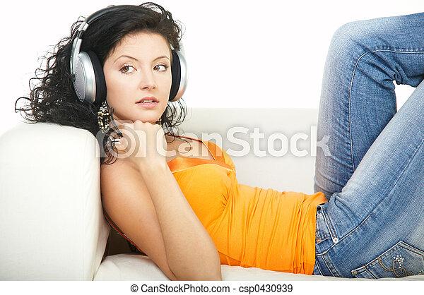 muziek, luisteren - csp0430939