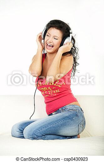 muziek, luisteren - csp0430923