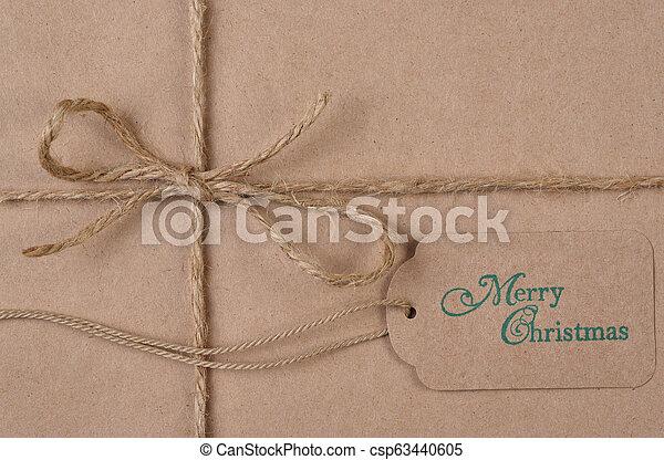 plat, twijn, bruine , vlakte, label, papier, leggen, verpakte, kerstkado - csp63440605