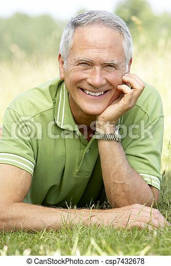 platteland, verticaal, middelbare leeftijd , relaxen, man - csp7432678