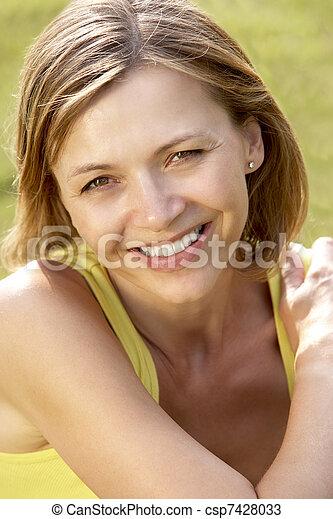 platteland, verticaal, vrouw, jonge, relaxen - csp7428033