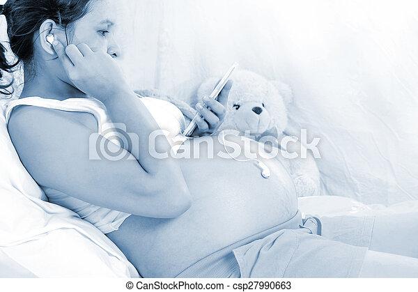 vrouwen, luisteren, muziek, foetaal, ontwikkeling, zwangere  - csp27990663